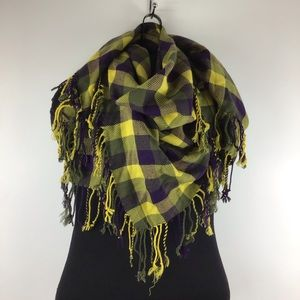 URBAN OUTFITTERS Plaid Fringe Scarf NWT